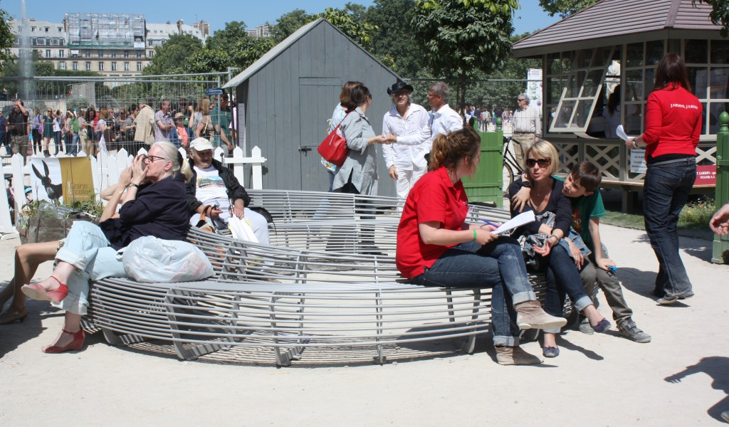 Page 14 - CIRCULAR BENCH - Jardin, Jardins  Paris - Photo TF
