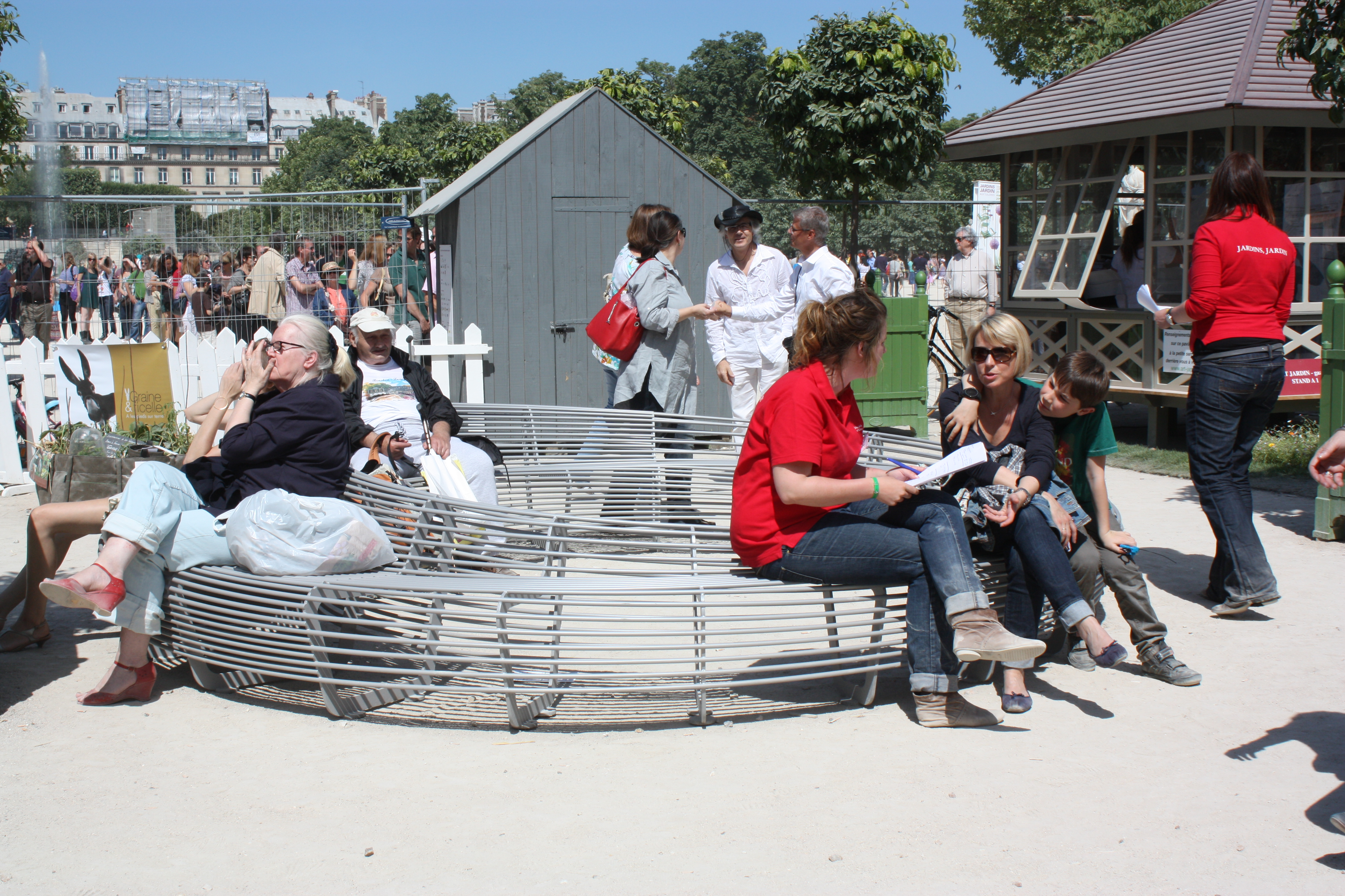 Page 14 - CIRCULAR BENCH - Jardin, Jardins  Paris - Photo TF